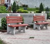 benches to Heritage park